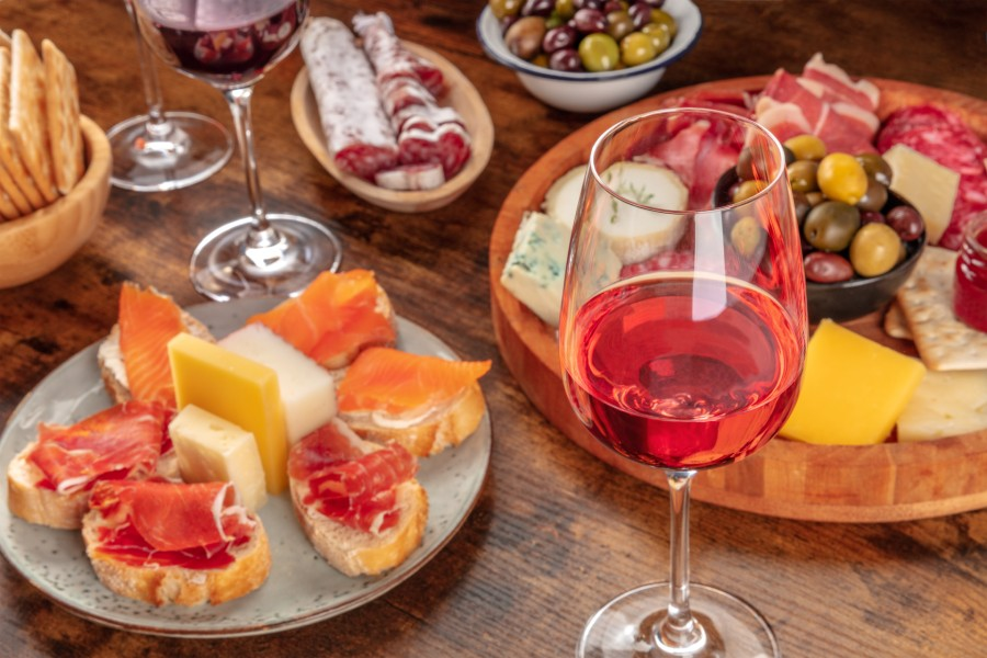 Enjoy wine and charcuterie after exploring Starved Rock State Park