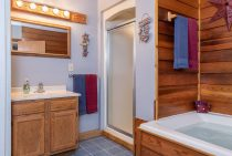 Bathroom in Americana Cabin near Buffalo Rock State Park