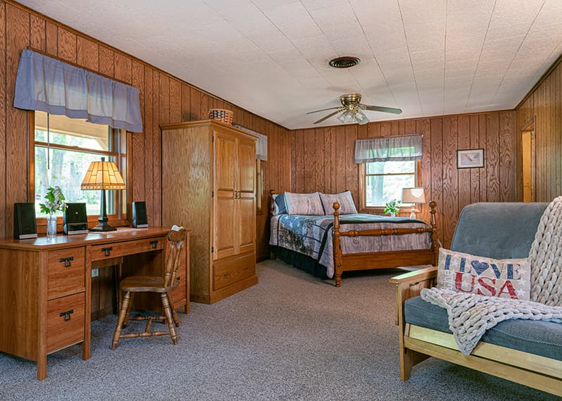 Americana Cabin bed and desk