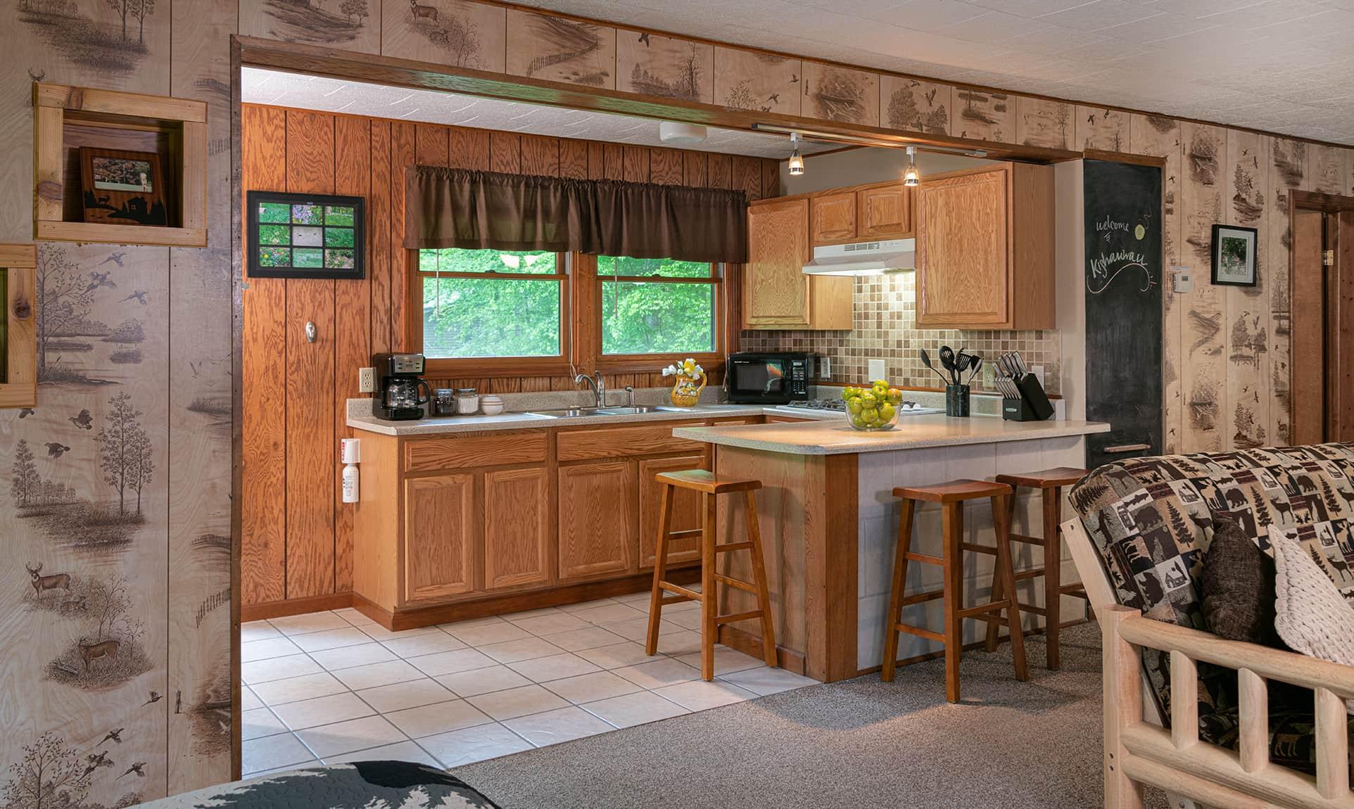 Bridge Cabin kitchen - romantic accommodations near Starved Rock