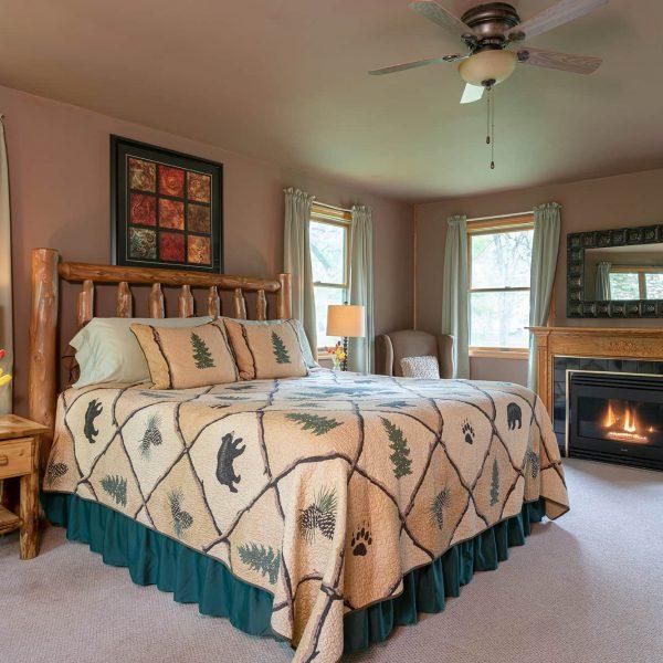 Jack's Deluxe Cabin Bed