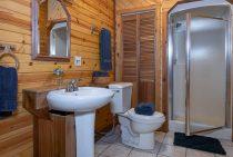 Grandma's Cabin bathroom