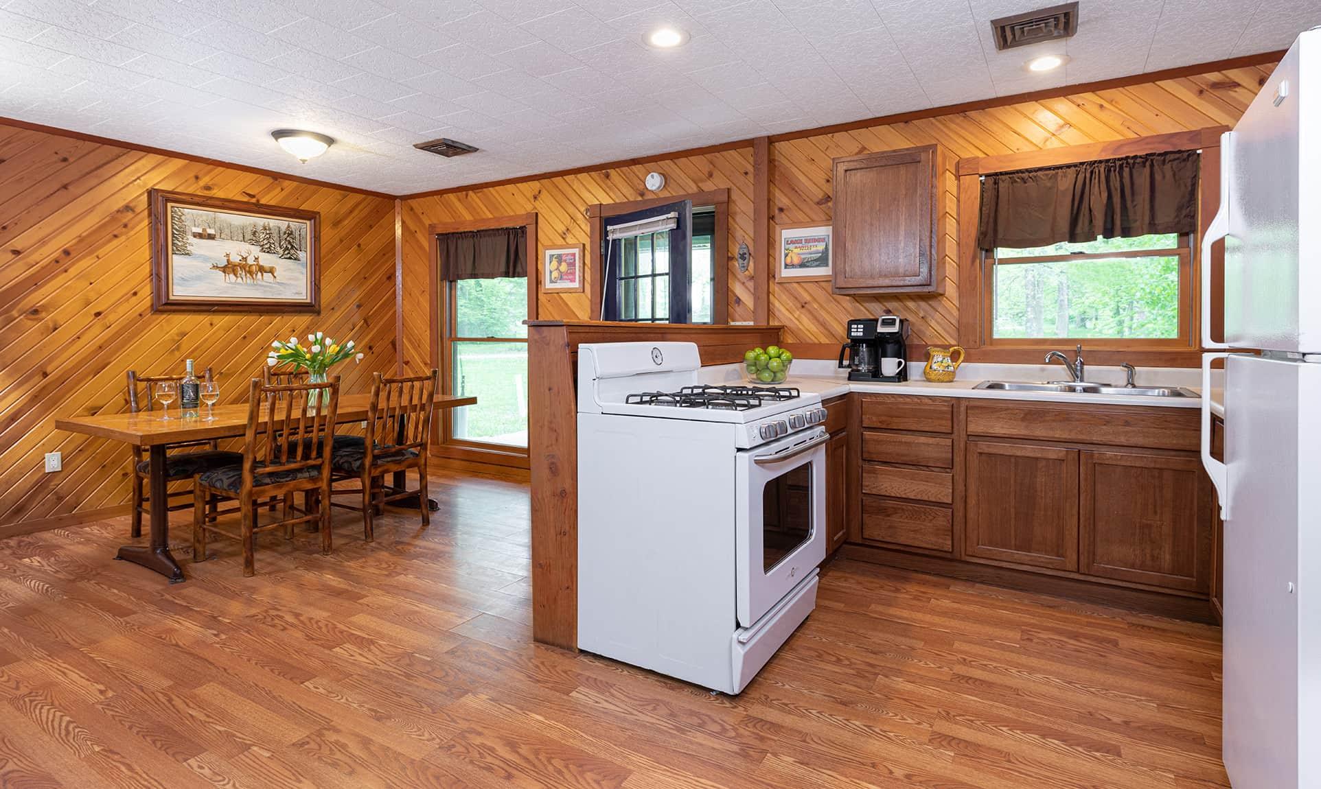 Illini Cabin kitchen - family cabin near Matthiessen State Park