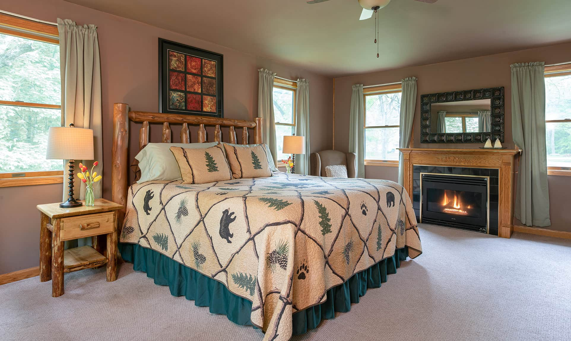 Jack's Deluxe Cabin bed for a romantic Illinois cabin getaway