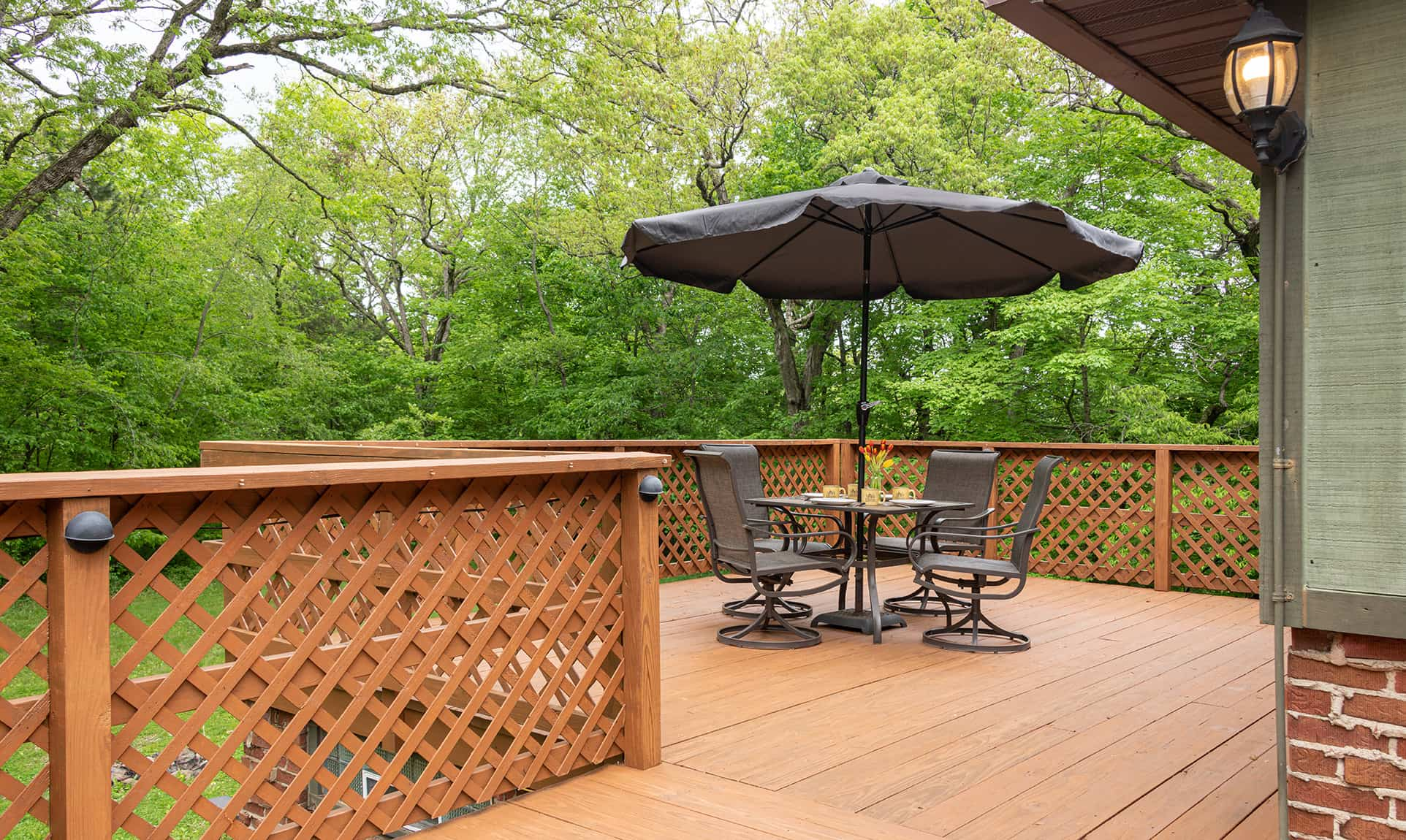 Jack's Deluxe Cabin deck with table