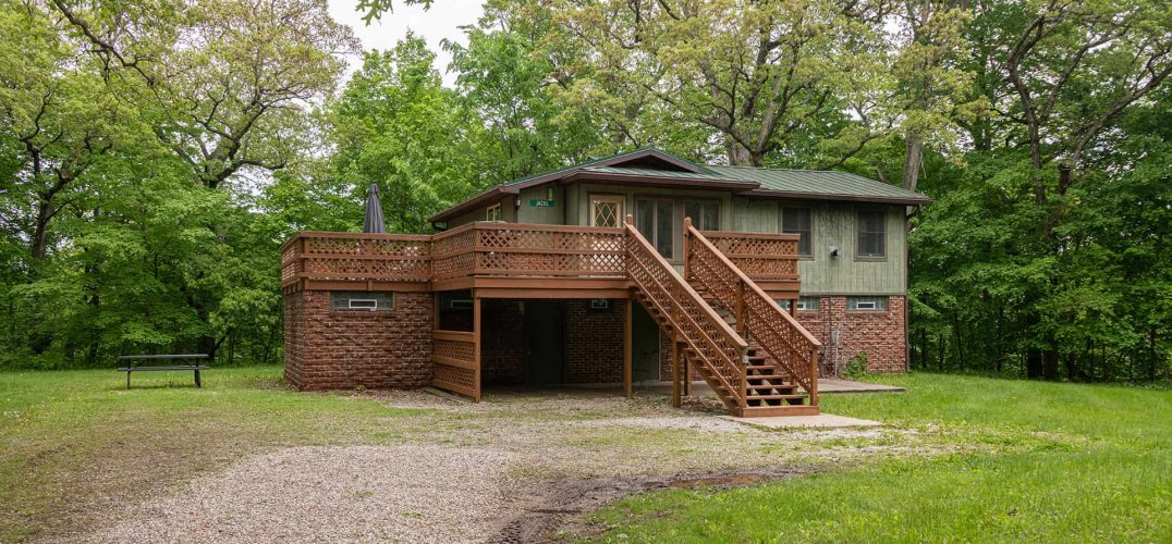 Jack's Deluxe Cabin exterior
