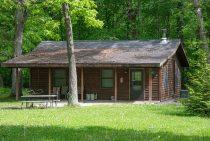 Osage Cabin exterior - weekend getaway near Chicago