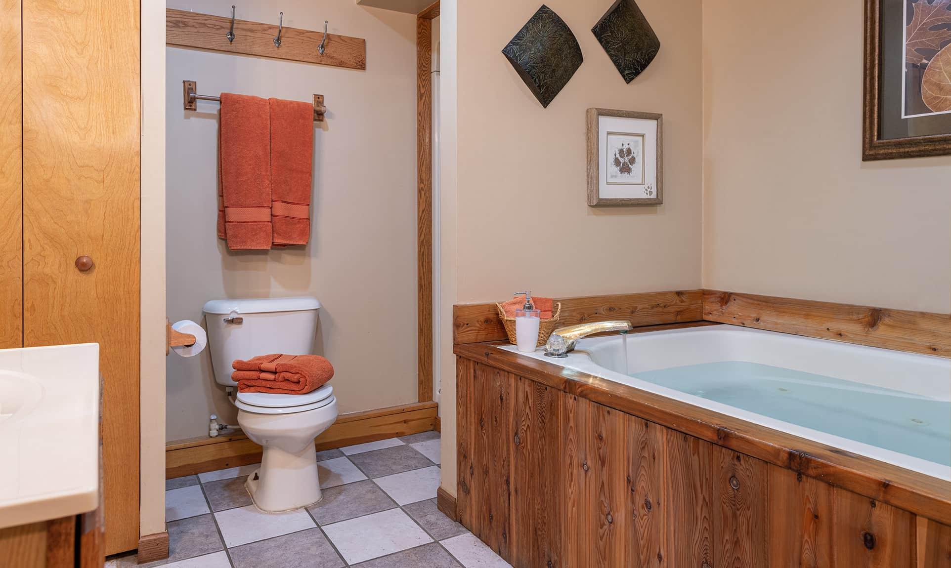 Soaking tub in a romantic Illinois cabin