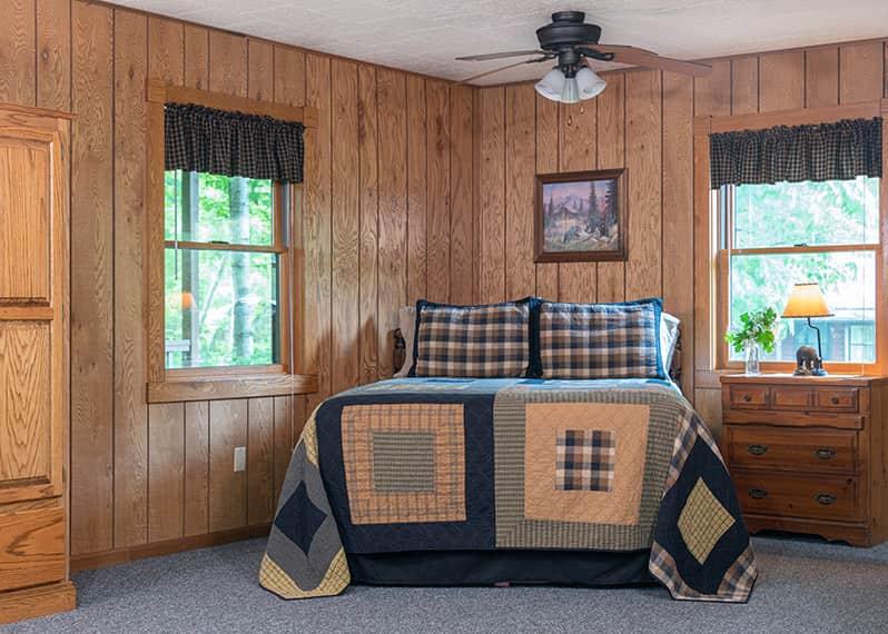Wilderness Cabin bed
