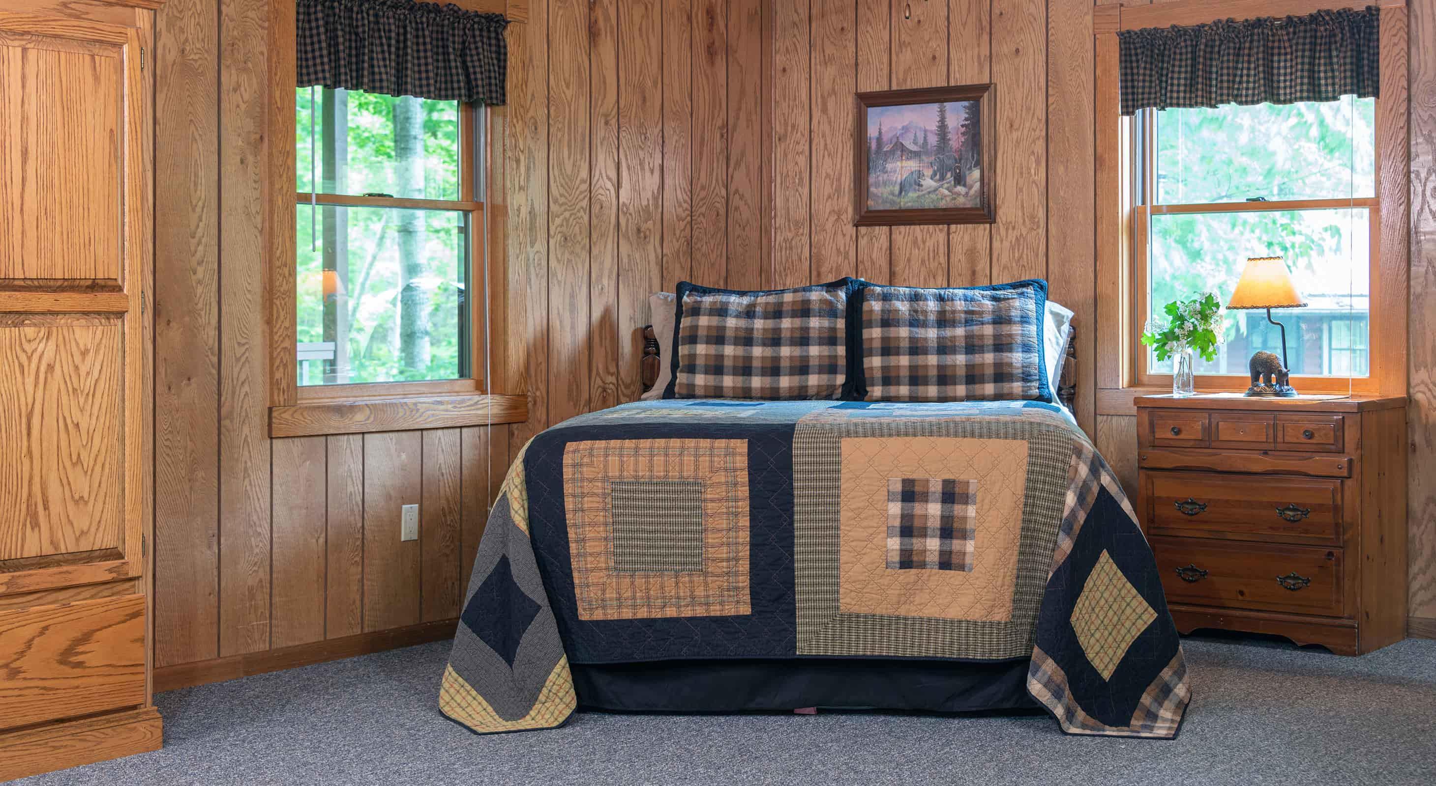 Wilderness Cabin - Starved Rock lodging in Illinois