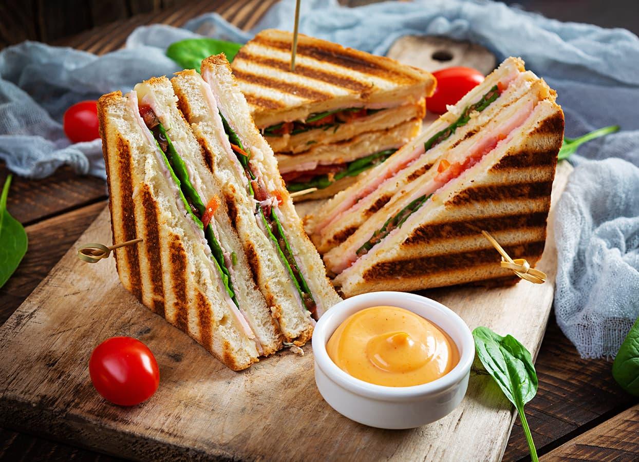 hot sandwich from a restaurant
